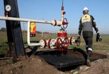 Азербайджан получил право экспортировать продукцию «Роснефти» в Украину