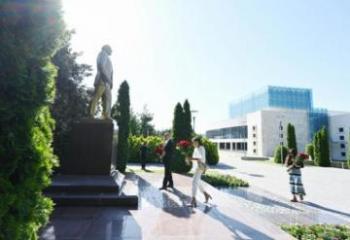 Президент Ильхам Алиев прибыл в Габалинский район