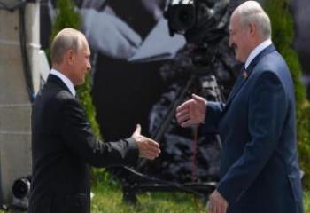 Лукашенко в третий раз за год посетит Россию