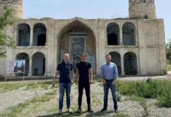 Кейсуке Хонда совершил поездку в Агдам