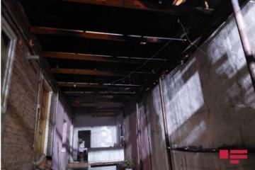 В Гяндже один человек погиб при пожаре в частном доме  - [color=red]YENİLƏNİB[/color] - [color=red]FOTO[/color]
