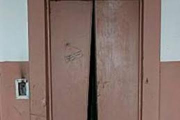 Bakıda liftdə qalan 5 nəfər çıxarılıb