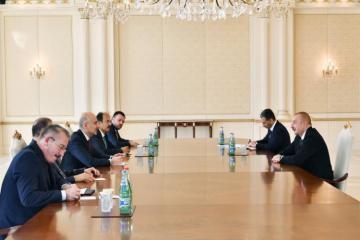 Президент Ильхам Алиев принял министра транспорта и инфраструктуры Турции-[color=red]ОБНОВЛЕНО-ВИДЕО[/color]