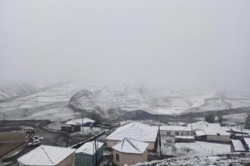 В губинских селах Грыз и Хыналыг выпал снег-[color=red]ФОТО-ВИДЕО[/color]