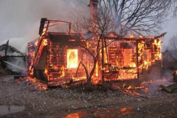 Rusiyada evdə yanğın olub, 3-ü uşaq olmaqla, 6 nəfər ölüb