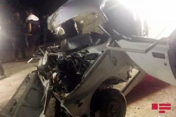 В Губе машина врезалась в дерево, погибли 4 человека - [color=red]ФОТО - ВИДЕО - ОБНОВЛЕНО[/color]