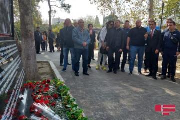 Делегация Верховной Рады Украины посетила территорию в Гяндже, подвергшуюся ракетному обстрелу Армении - [color=red]ФОТО[/color]