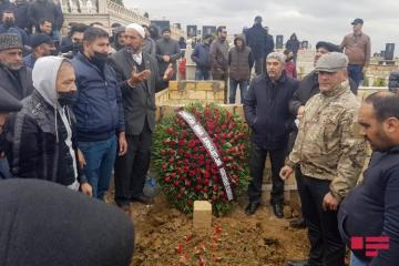 Журналист Эльнур Ашрафоглу похоронен-[color=red]ФОТО[/color]