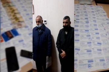 В Баку задержан торговец поддельными паспортами COVID-19