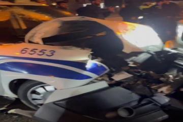 В Баку столкнулись «Gelandewagen» и полицейский автомобиль, пострадал сотрудник полиции