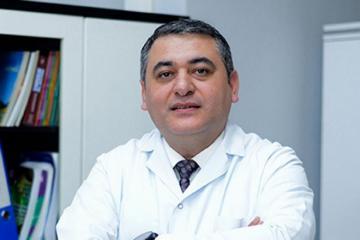 Заражившийся коронавирусом врач Ниязи Эминов переведен в Центральный таможенный госпиталь