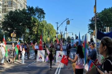 Азербайджанская диаспора провела перед штаб-квартирой ООН акцию, посвященную Дню памяти - [color=red]ФОТО[/color]